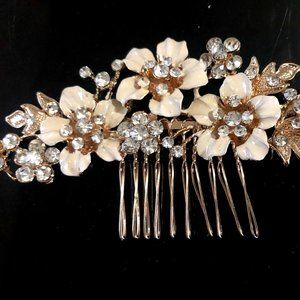 Beige Metal Flower Gold Tone Combs GFC828